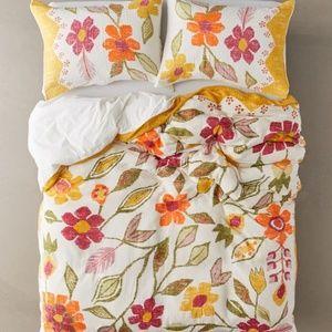 UO Delia Folk Floral Gauze Duvet w/ Shams Set
